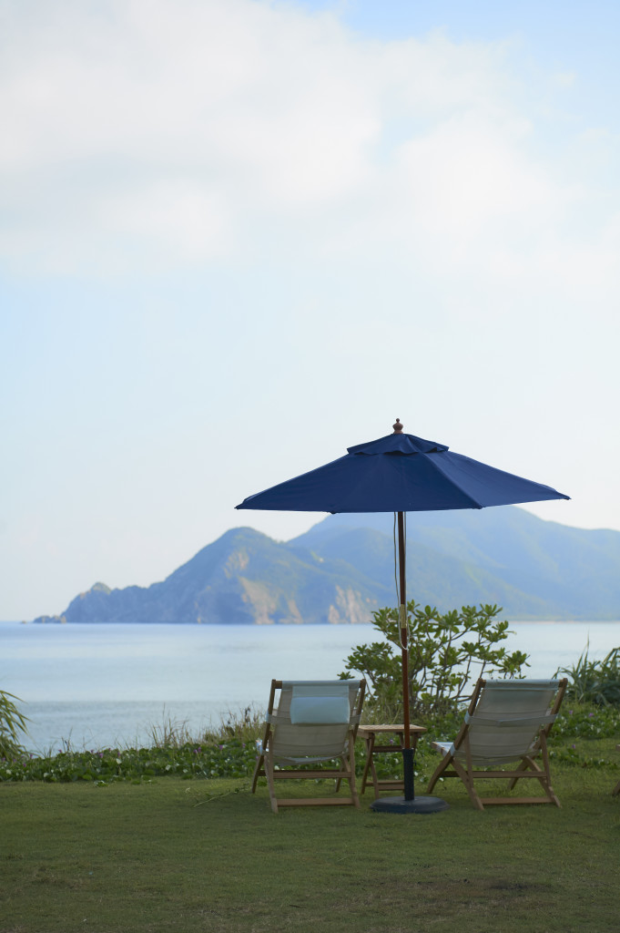 THE SCENEから見える加計呂麻島と大島海峡