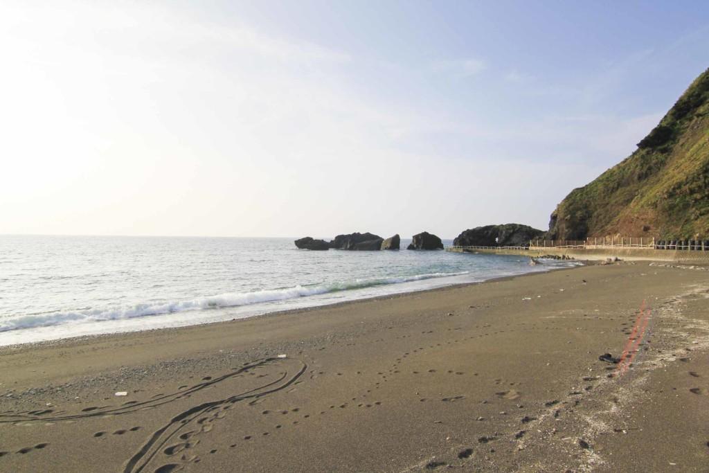 昼の戸円海岸