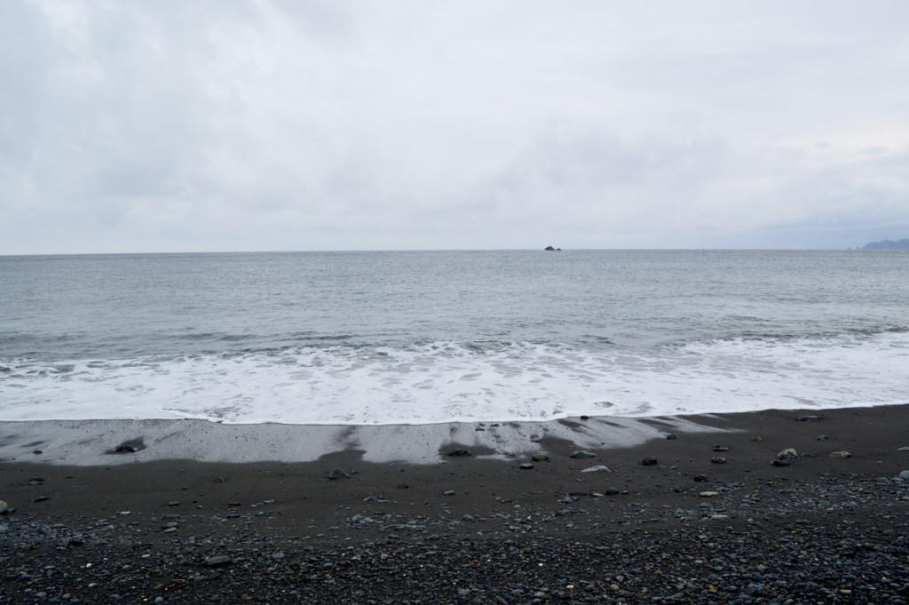 青久集落の海