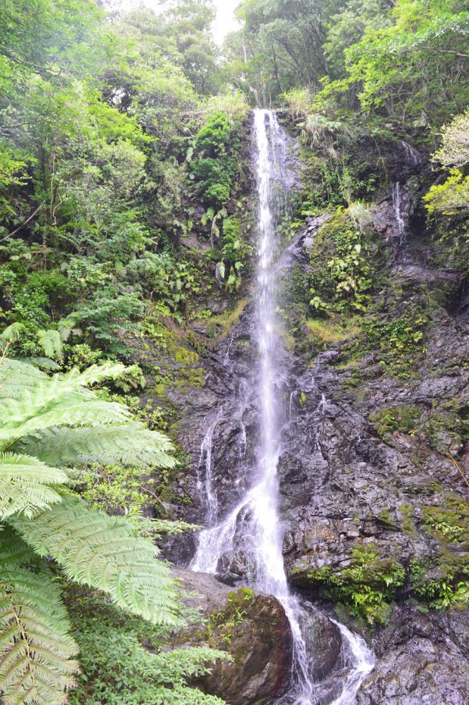 加計呂麻島のパワースポット、嘉入の滝