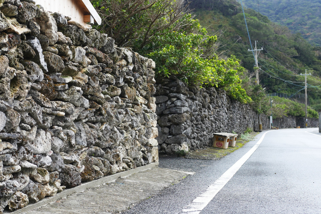 西古見のサンゴ石垣