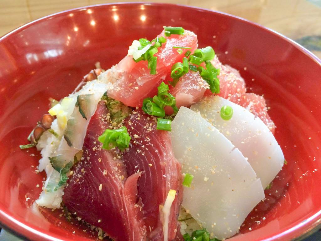 島魚あま海の海鮮丼