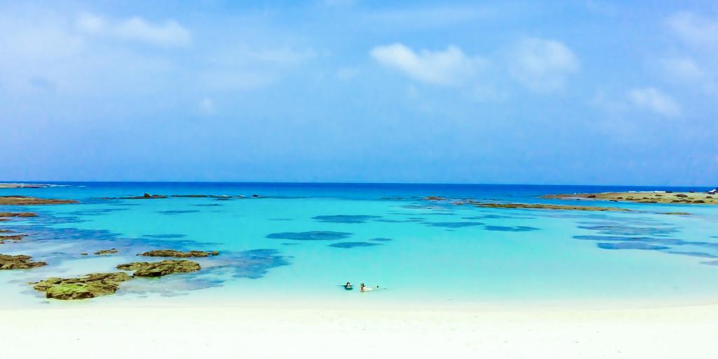 土盛海岸の青い海