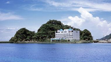 名瀬の街から車で5分!贅沢空間「スパリゾート奄美山羊島ホテル」