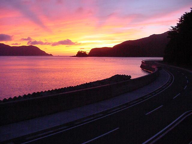 宇検村の夕暮れの海1