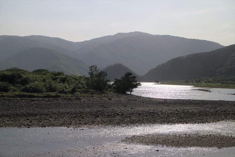 奄美住用、内海の風景