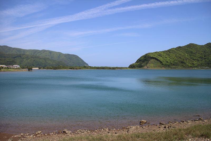 奄美住用、半島状に伸びた干潟