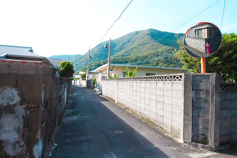 瀬戸内町西古見集落の路地