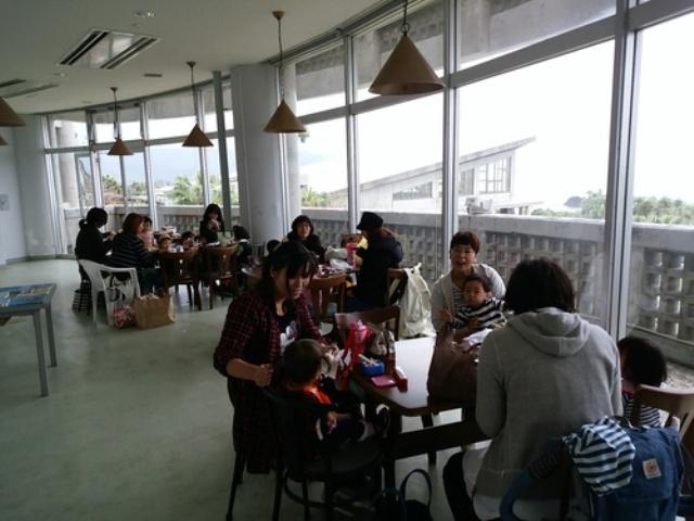 奄美海洋展示館の2階展望テラスは飲食可能