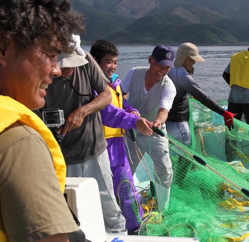 国直のトビウオの追い込み漁ツアー
