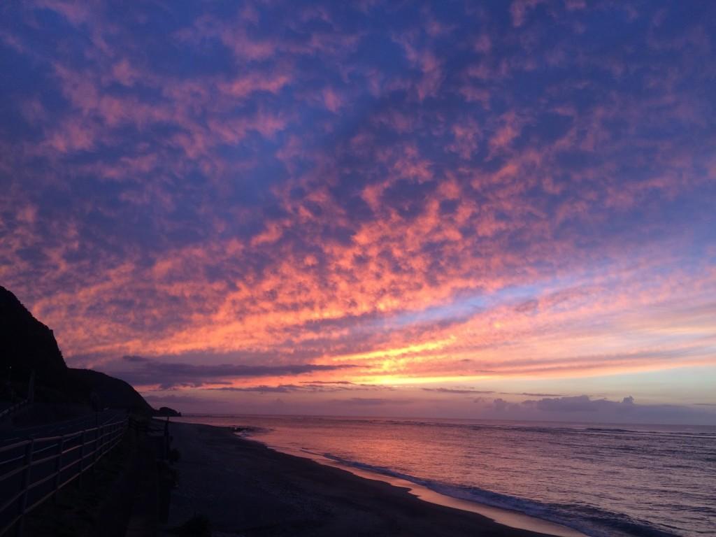 奄美、安木屋場海岸の夕日