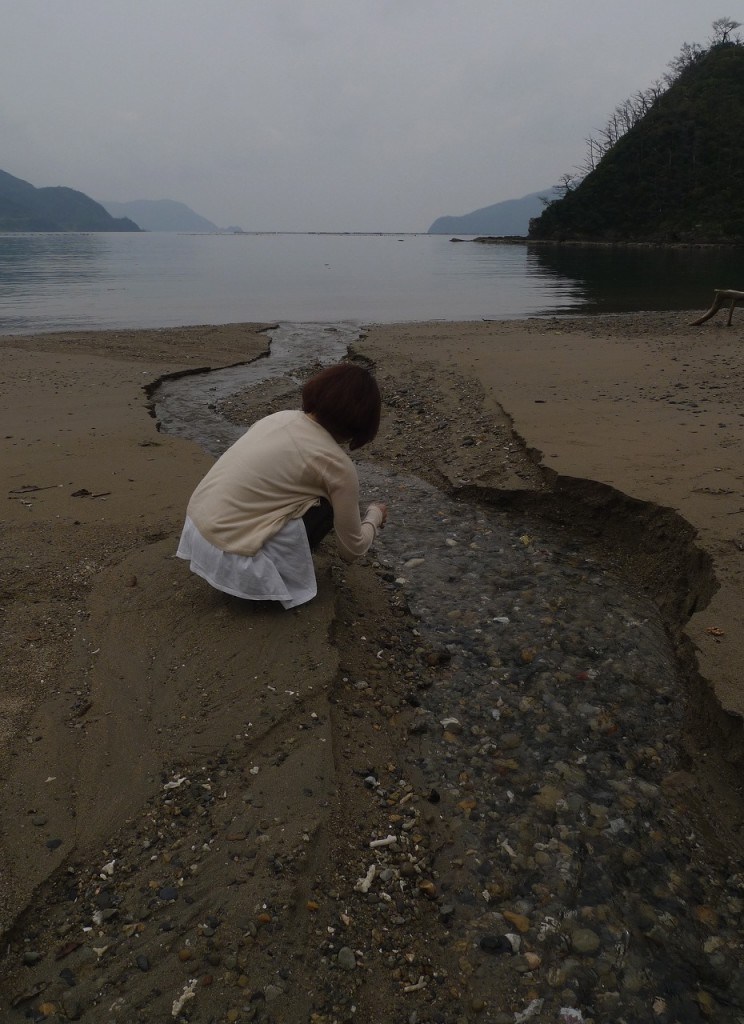 淡水と海水が交わる宇検村ケタグラ浜