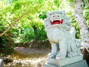 加計呂麻島西阿室、厳島神社の狛犬