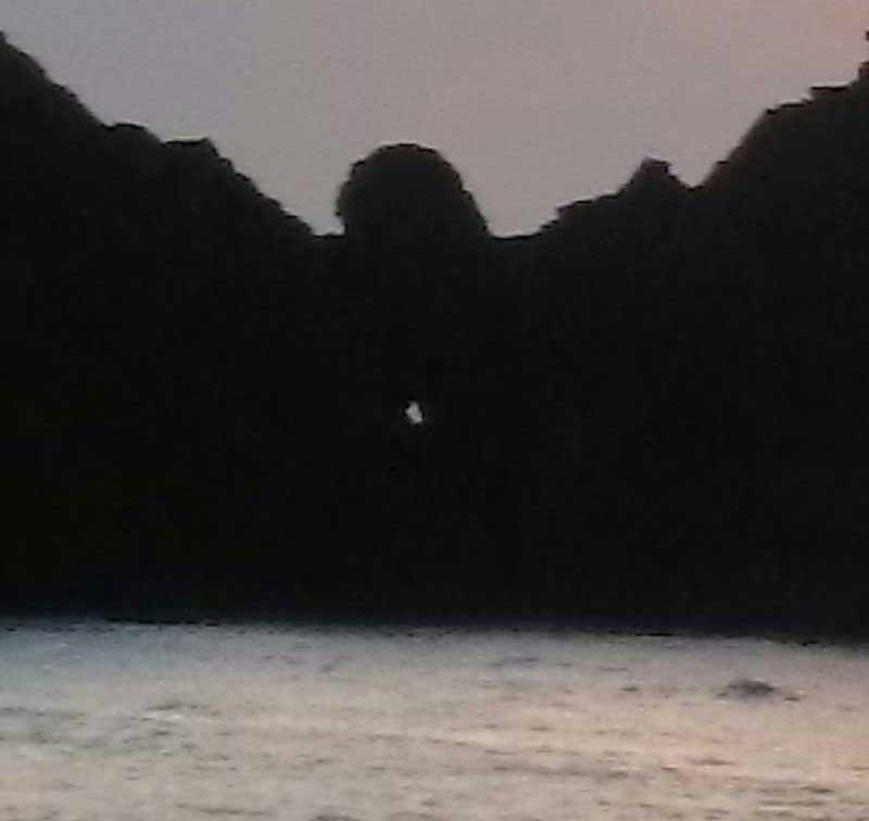 「龍の目」と似ていた頃の有良海岸の岩壁