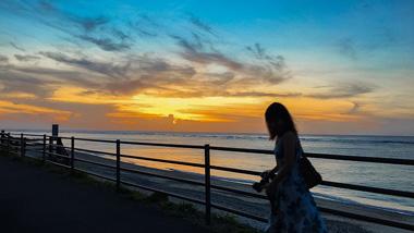 特別な奄美のシマ時間を感じる。龍郷町安木屋場の海岸線を夕暮れ散歩。