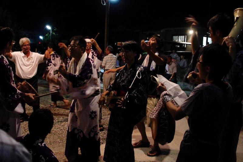 今回、三線もチヂンも、唄も初めてのメンバーで六調を演奏してみた。まだひどく下手だけど、たくさんの人が踊ってくれて嬉しかった。