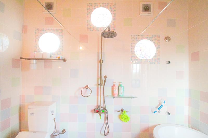 龍郷町安木屋場の民宿「なべき屋」コテージのバスルーム