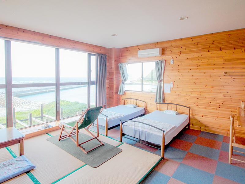 龍郷町安木屋場の民宿「なべき屋」客室