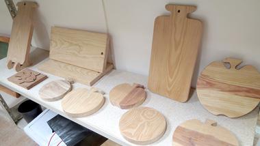 森の島・奄美大島で楽しむ木工体験 【奄美市木工工芸センター】