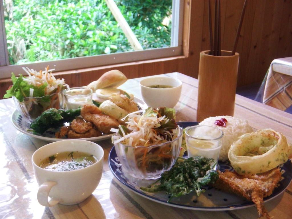 瀬戸内町の阿木名集落にある「チルチルCafe」のメニュー