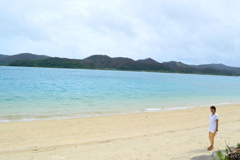 奄美伝泊「プライベートビーチのある宿」裏の海岸