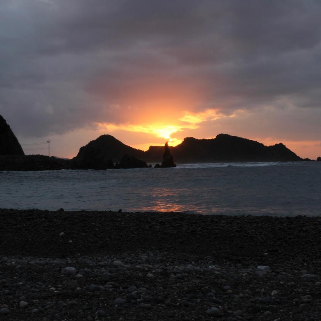 戸円の砂浜からの風景