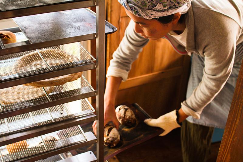 奄美のパン屋:ドーネ・パンのオーナー
