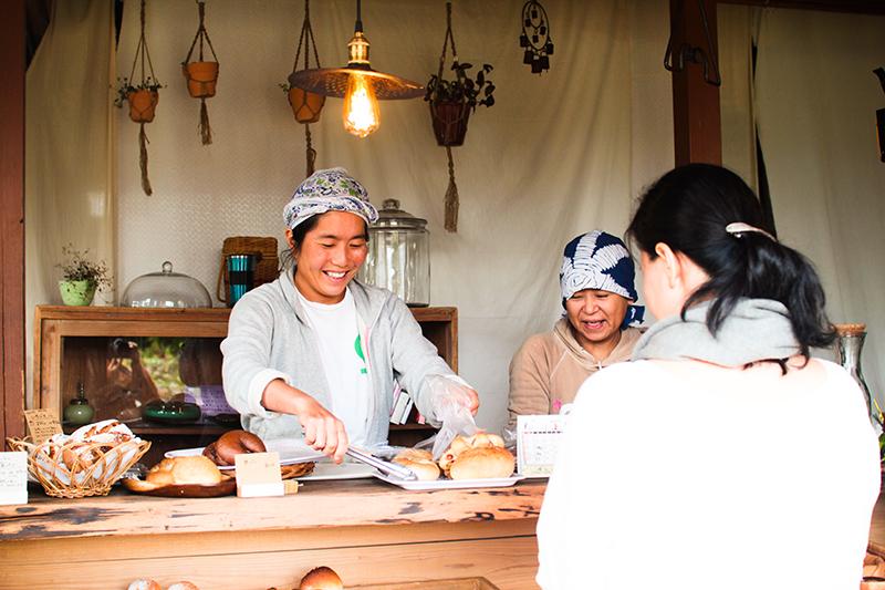 奄美のパン屋:ドーネ・パン