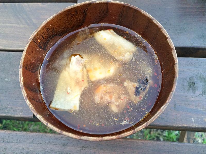 奄美大和村サンセットバスツアーシシ汁