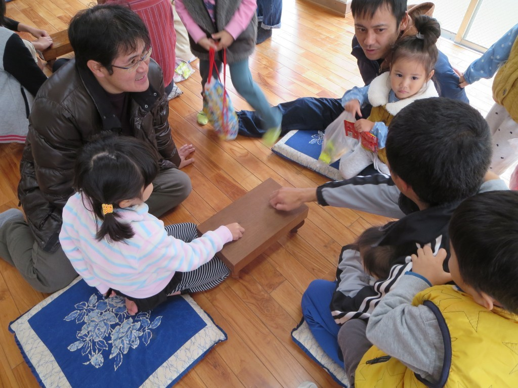 奄美の伝統遊び、ナンコは子供も大人も楽める