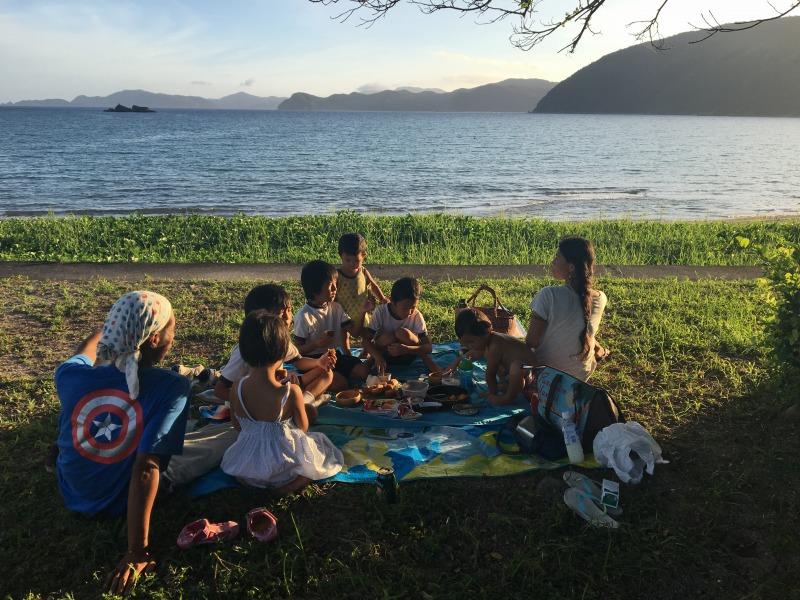加計呂麻島諸鈍、浜辺のピクニック