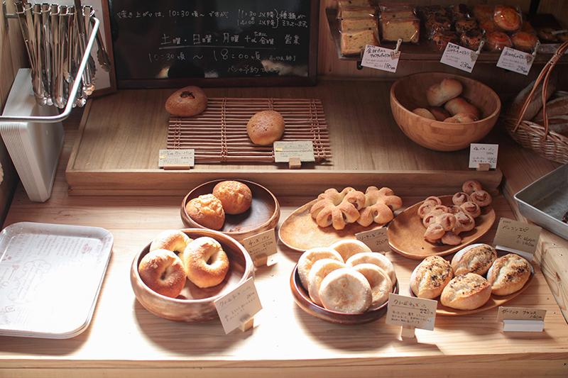奄美のパン屋:ドーネ・パンのパン