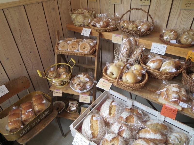 奄美のパン屋:KONERUのパン