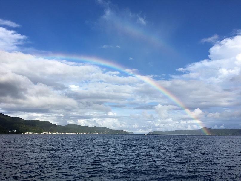 大島海峡にかかる虹