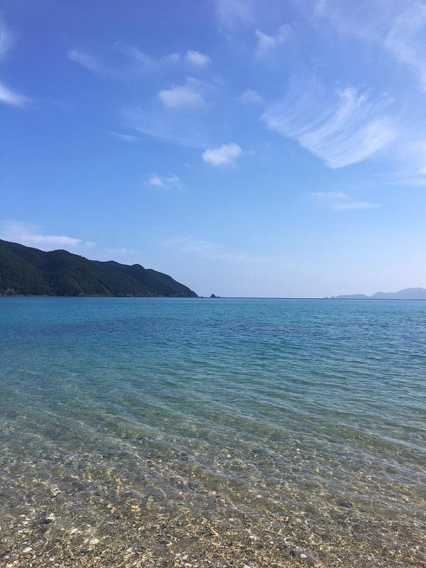 諸鈍長浜の青い海