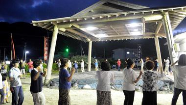 【八月踊り体験記】月夜のもと唄い踊る、奄美文化を体験!大和村大棚集落