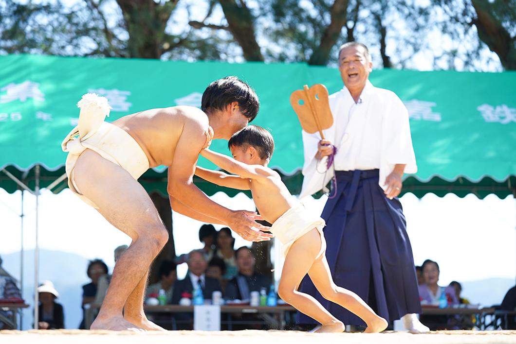 奄美、豊年祭の相撲