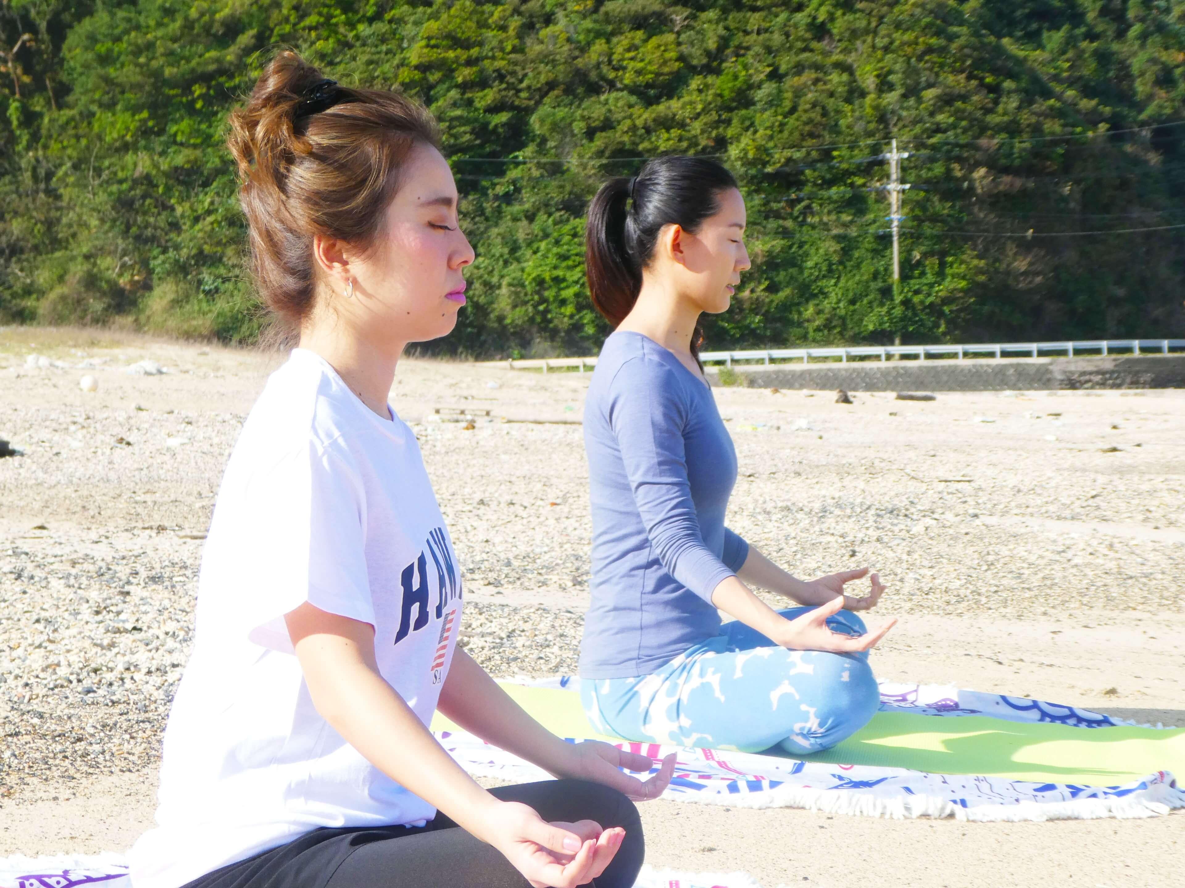 奄美大島でプライベートビーチヨガ体験