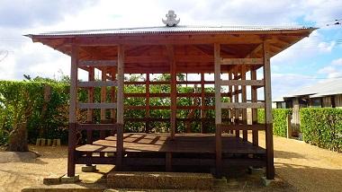 美しい生垣と祭祀跡〜ルーツ案内人と行く加計呂麻島・須子茂集落