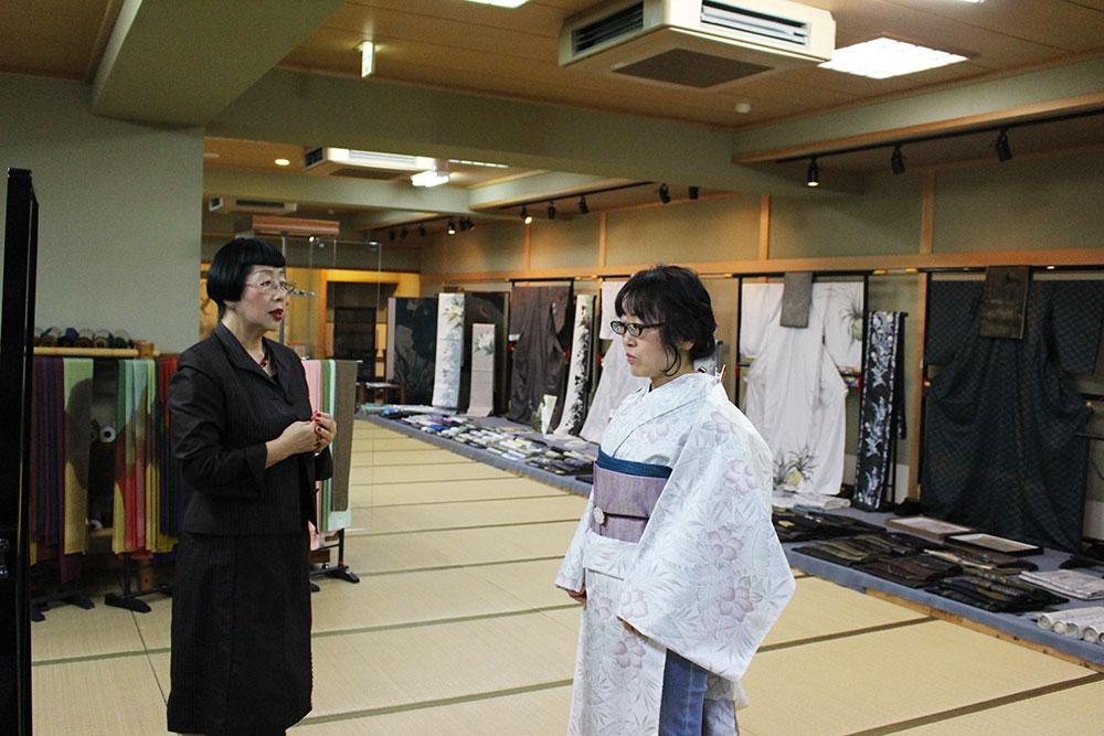 星加麗子さんと大島紬着装体験