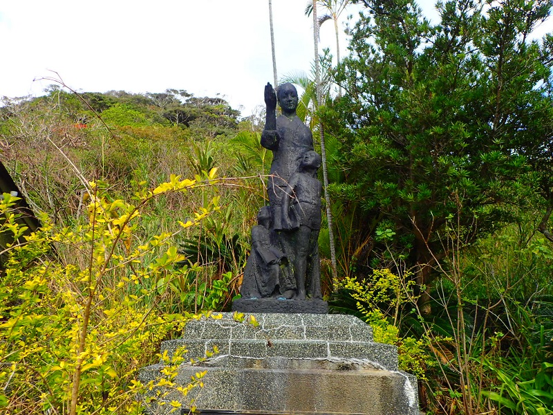 須子茂小学校母と子の像