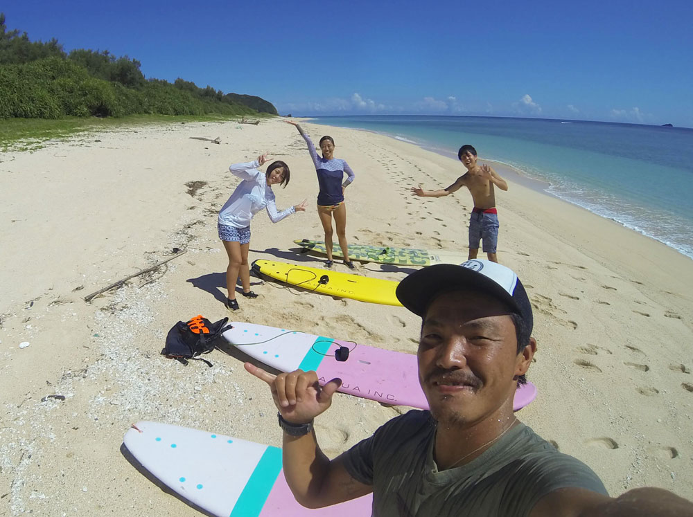 奄美でサーフィンを体験:Can'nen Surf
