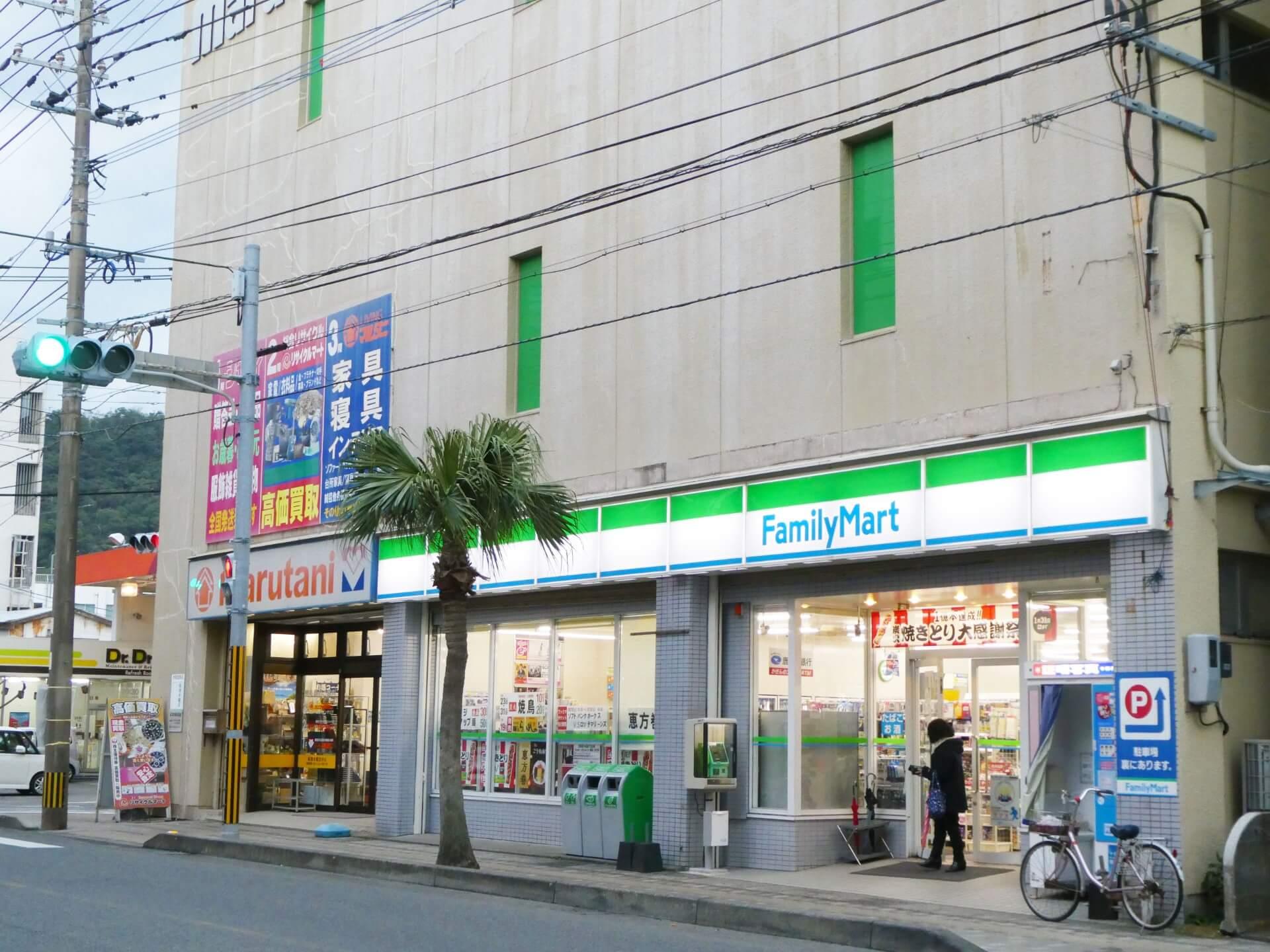 ファミリーマート名瀬港町店外観写真P1030071