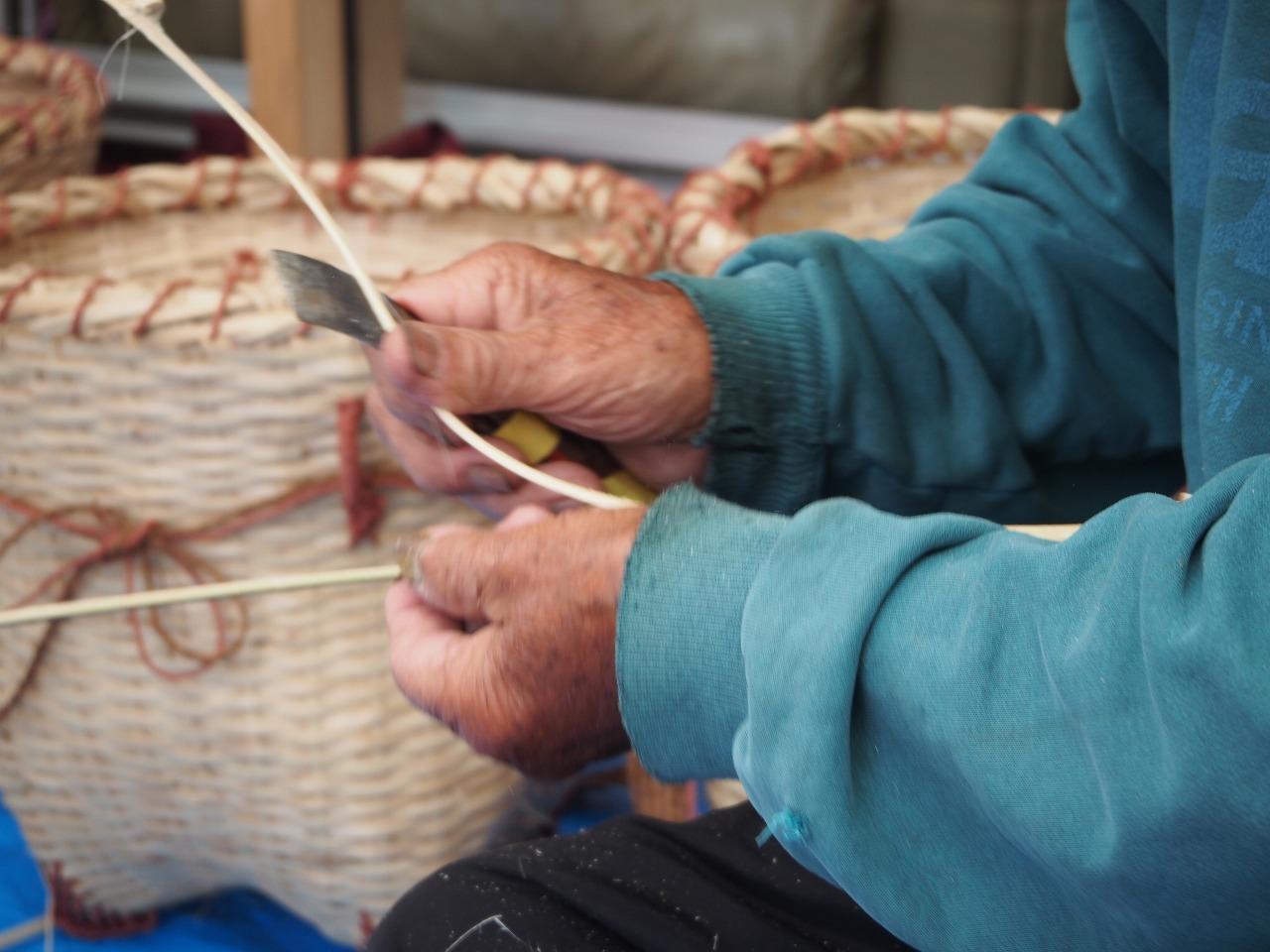 テルの材料の竹ヒゴ作り