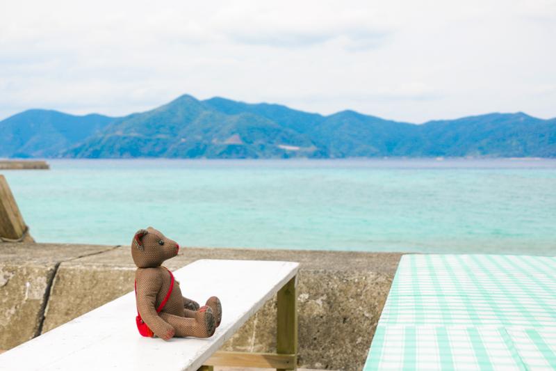 実久の海岸の休憩所
