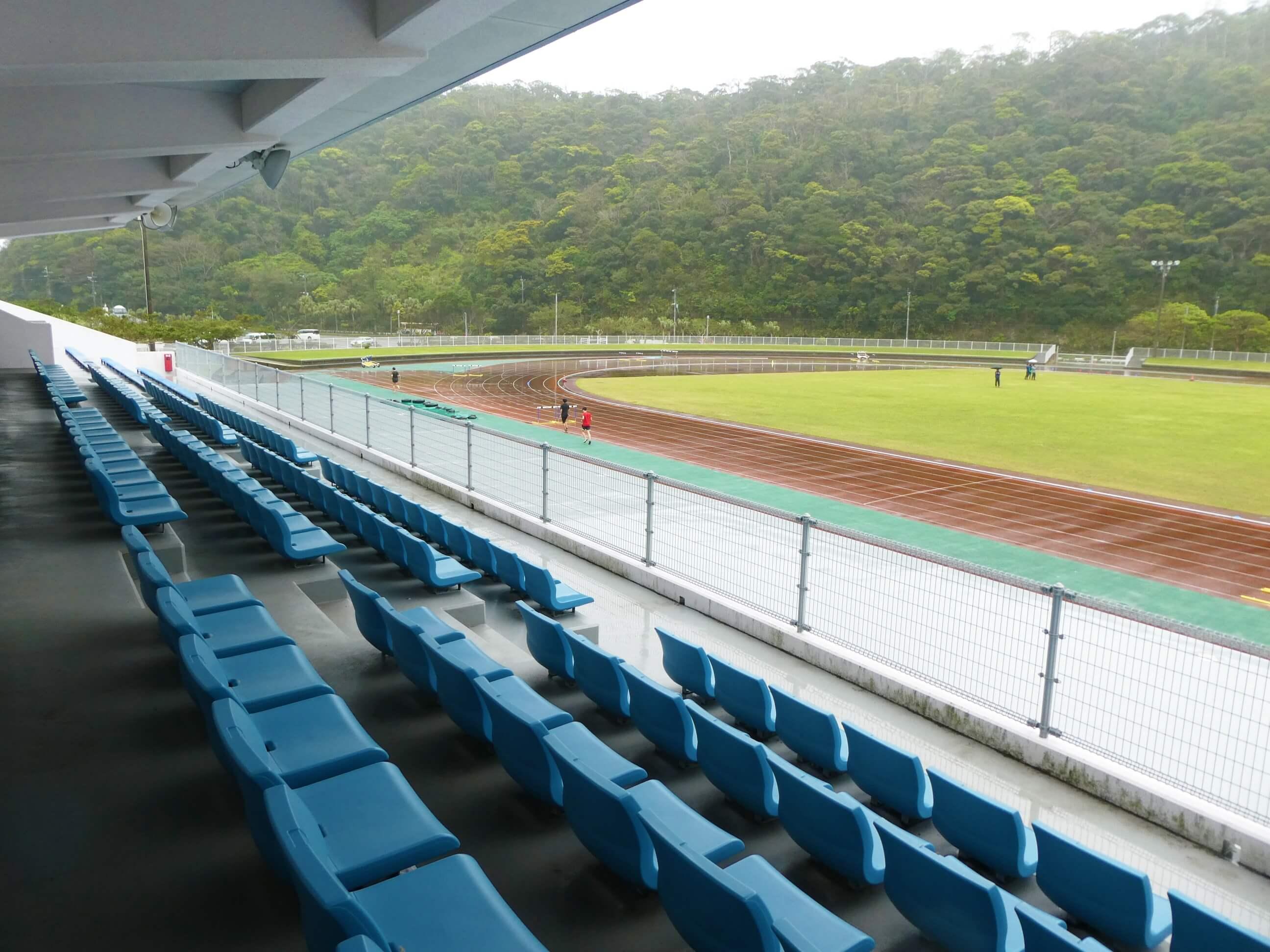 奄美にある名瀬運動公園内の競技場