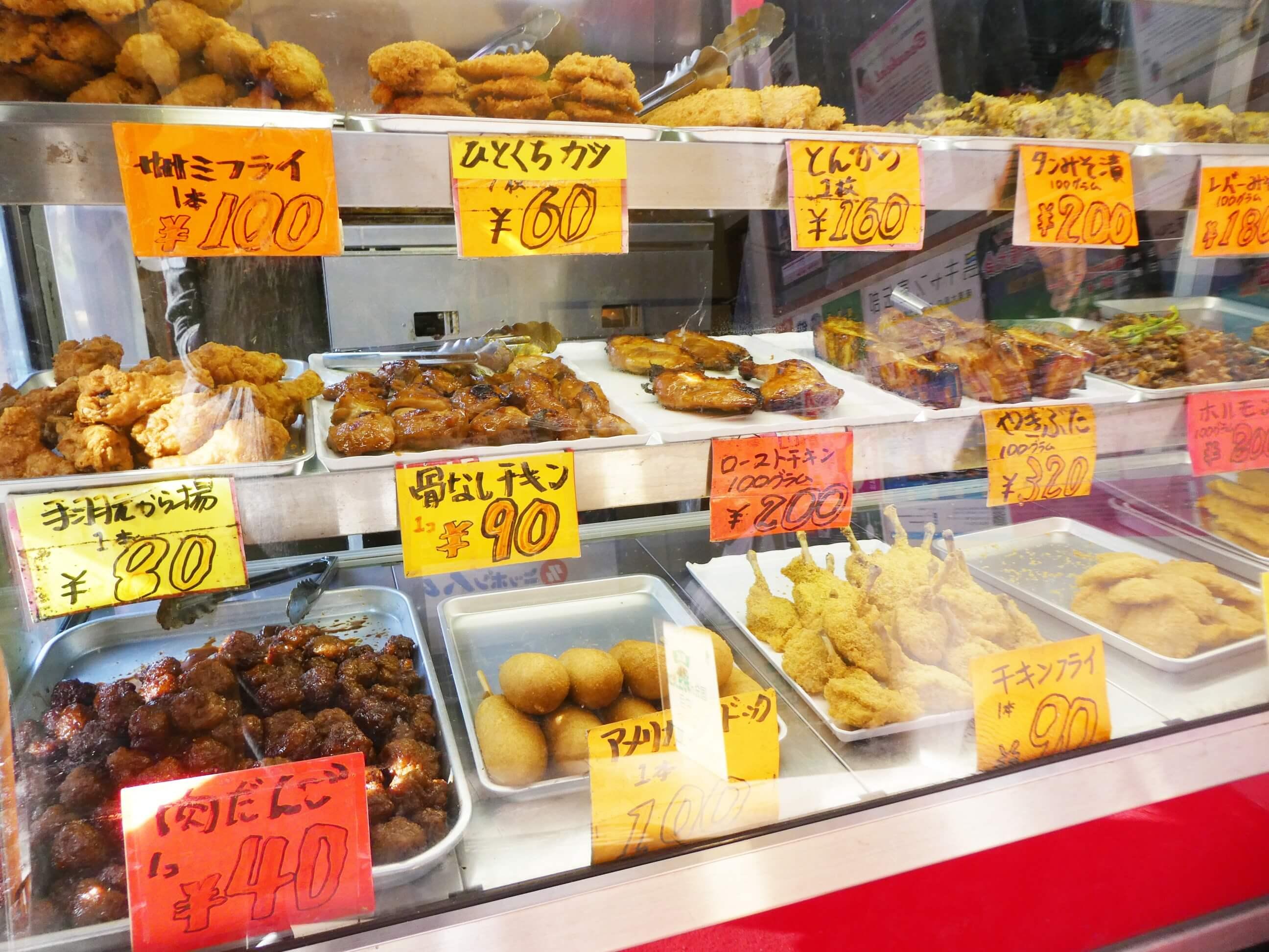 奄美にある松坂屋の店内に並んでいる商品