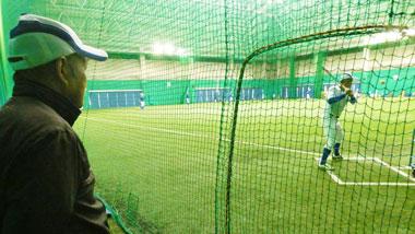 多くのプロスポーツ選手が利用する「奄美市名瀬運動公園」と名物おもしろ管理人マリオさん