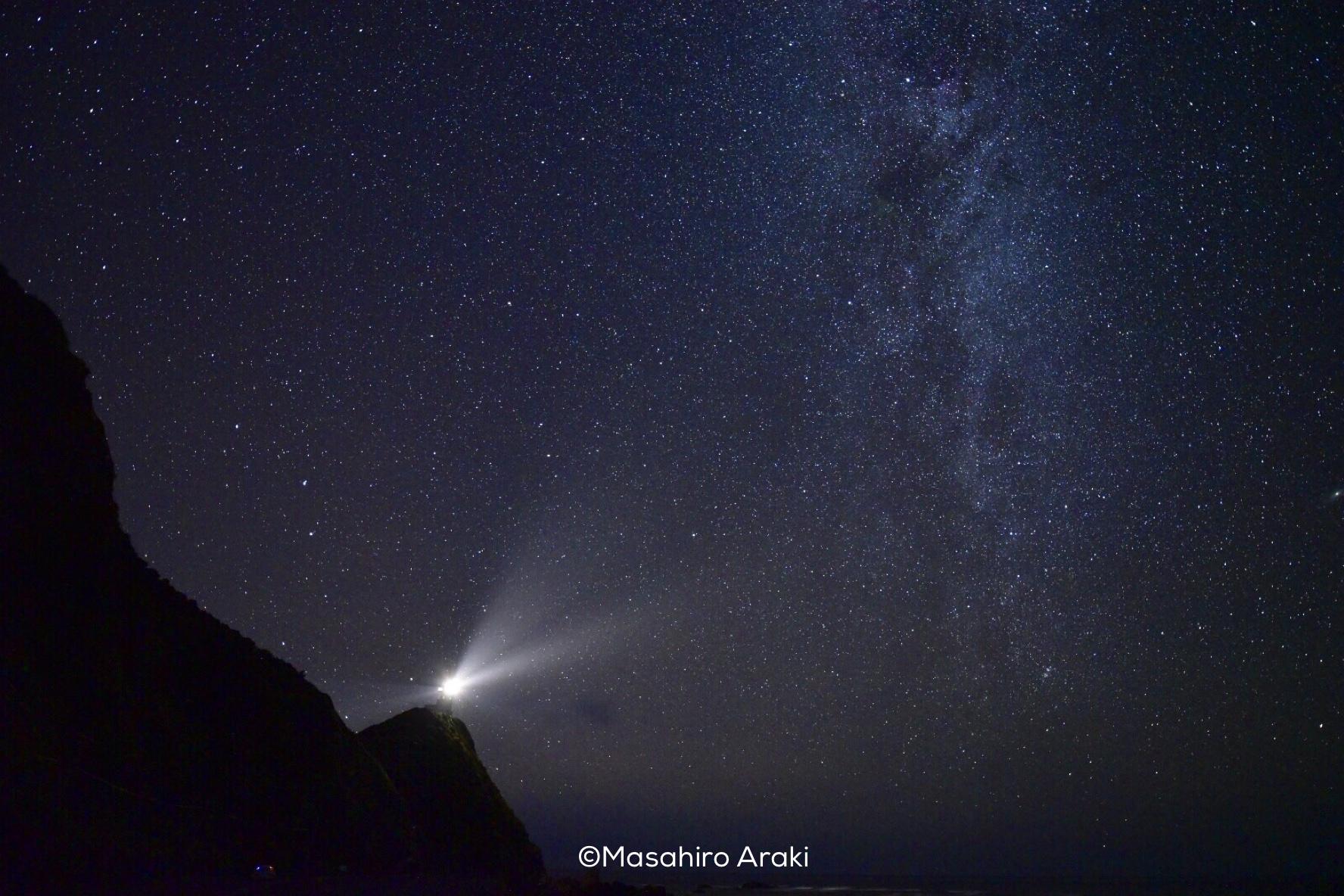 灯台方向に見える星空の写真001_11 のコピー
