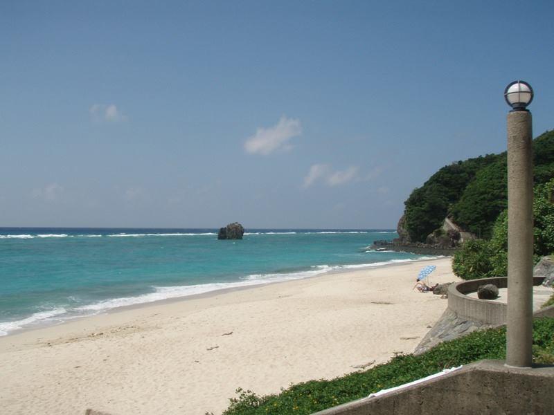 大浜海浜公園の青い海